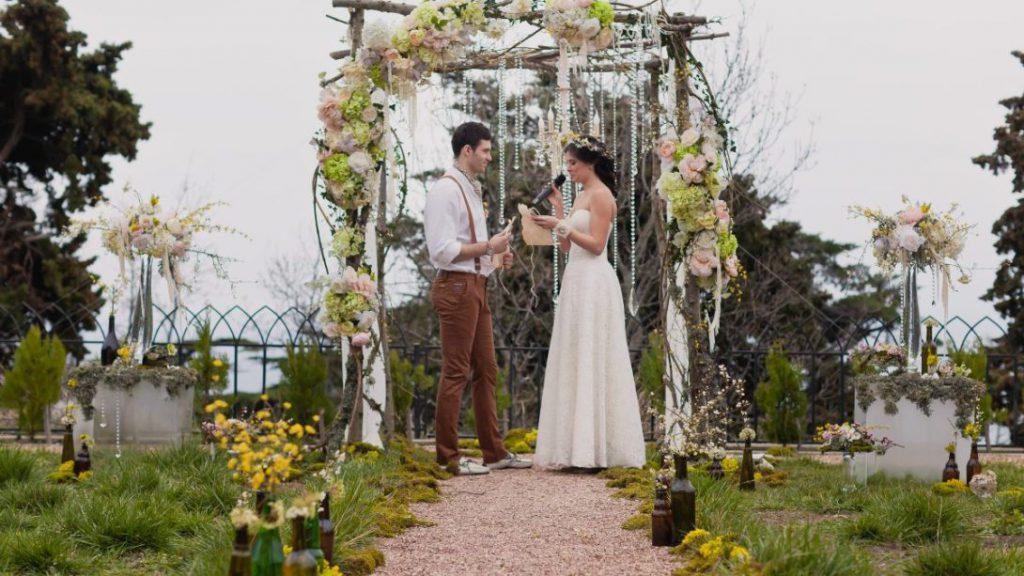 Свадьба в стиле Рустик в Крыму у бассеина