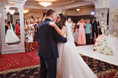 """Красивейшая свадьба Валерия и Екатерины в ресторане """"Столичный"""""""