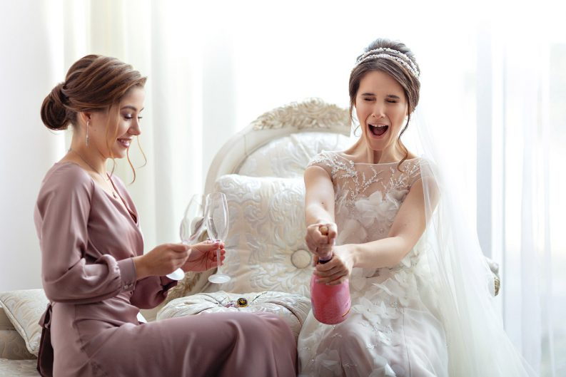 """Невероятная концептуальная свадьба Сони и Леши по мотивам путешествий, в """"Виктории"""" Донецк"""