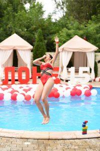 Вечеринка у бассейна «Спасатели Малибу»