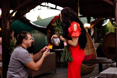 Романтичное предложение руки!