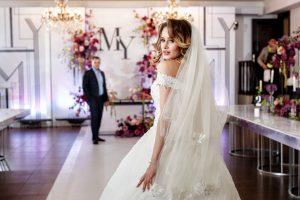 Стильная черно-белая свадьба Максима и Юлии в «Какаду»
